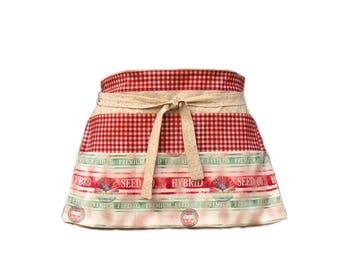 Waitress Apron, Country Vendor Apron, Farm Feed Sack Half Apron, 6 Pockets
