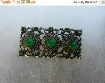 Summer Sale Vintage Costume Jewelry Brooch Green Cabochon