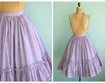 Vintage 1950's Lavender Colored Embroidered Circle Skirt | Size Small