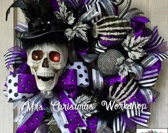 Skull wreath Halloween wreath, skeleton wreath deco mesh wreath
