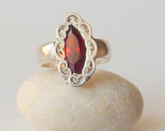 Sterling Silver Garnet Ring Vintage January Birthstone Ring Garnet Jewelry, Size 6  Garnet Ring, Simple Ring Elegant Ring, Garnet Jewelry