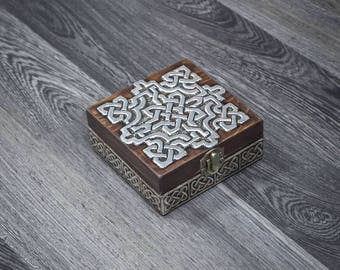 Celtic knot box/ Jewelry box for man/Wooden jewelry box/ Jewelry box with a lid/Storage box/ Trinket box/ Repujdo/