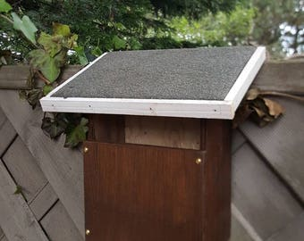 Robin's bird house, bird box wooden wood bespoke gift