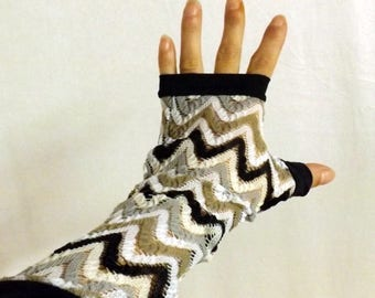 Fingerless gloves long Manolo lace zigzag and black lycra