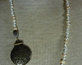 Pearl necklace, Freshwater pearl necklace