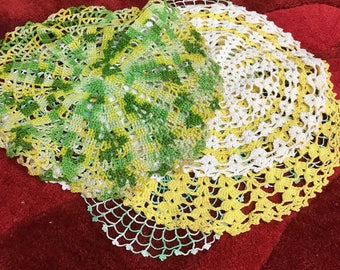 Doilies / vintage green and yellow doily / Antique doilies
