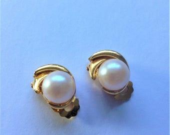 Vintage Faux Pearl Earrings, Clip On Earrings, Gold Tone Earring, Vintage Wedding, Bridal