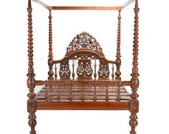 19th Century Anglo Indian Canopy Bed, Anglo Indian bed, carved Bed, Indian bed, Antique Daybed, vintage bed, Canopy bed, twin bed