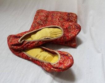 Vintage Women's Brocade Folding Slippers  Carry Bag Size 8-9 1/2  Large