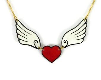 Collier fantaisie coeur rouge aux ailes blanches et noires, collier éco-responsable en plastique peint (CD recyclé), cadeau Saint Valentin