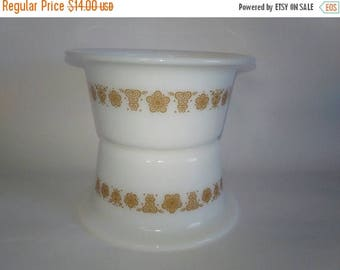 ON SALE Pyrex Butterfly Gold Margarine Butter Storage Tub Set
