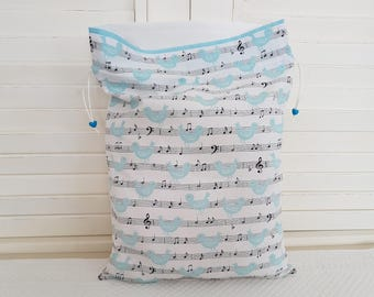The pouch romantic tweet and music for children