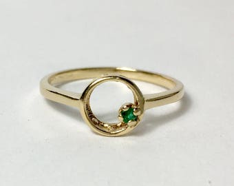 10k yellow gold and emerald ring