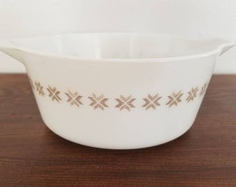 Pyrex Town and Country Casserole - 475-B