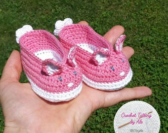 Crochet baby booties, white and pink cotton 0-3 size months,