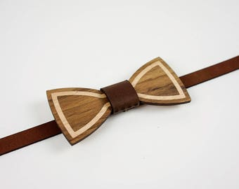 Wood and Leather Bow Tie - Blackwood with Oak Inlay