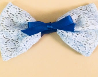 The Queen's Lace Hair Bow