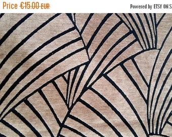 Velvet with fan pattern