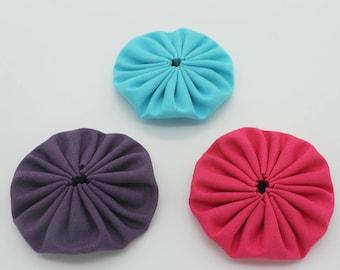 Purple fuchsia hand-made Yo-Yo Flowers trio turquoise 6 cm