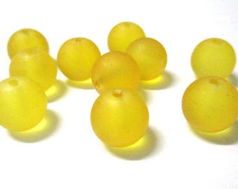 10 Frosted Yellow glass beads 12mm (N-42)