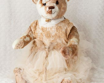 Bekkiebears OOAK artist teddy bear Emma