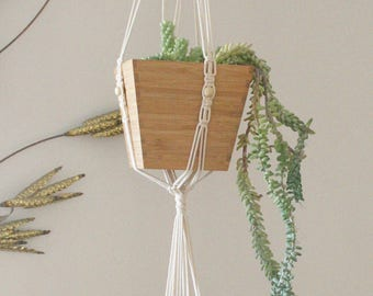 Double plant hanger with wood beads