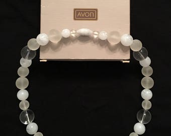 Avon Marble Hues Necklace in Cool White