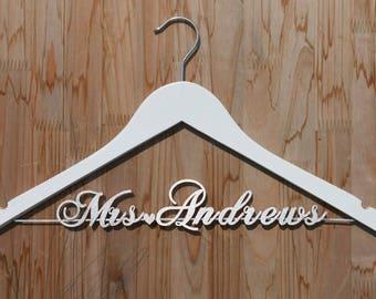 Wedding Dress Hanger, Personalized Wedding hanger, Bridal Hanger, Single Line Hanger, Gift for Her, Gift for Bridal Party vet0006