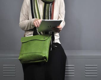 Green Leather Crossbody bag, Women's Everyday bag, Small Messenger Bag, Crossbody Bag, Italian Leather Handbag, Leather Purse, Leather Bag