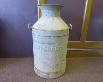 Large Vintage Magnolia Dairy 10 Gallon Milk Can