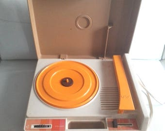 Vintage Fisher Price record player 1978 Model #825 need a new needle!