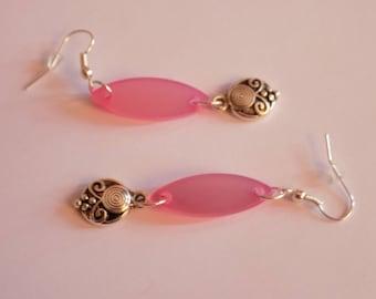 Earrings ethnic Pearl/pastel pink.