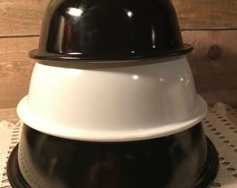 Vintage Pyrex Black White Clear Bottoms Nesting Mixing Bowls 1L 1.5 & 2.5
