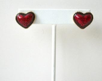 ON SALE Vintage AVON Enameled Heart Earrings 5817