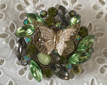 Fashion brooch with butterfly