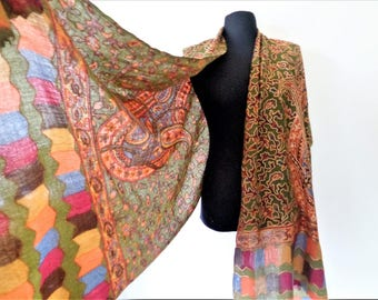 Green Embroidered Wool Shawl, Fine Wool Shawl, Paisley pattern Scarf, Indian Wool Wrap, Soft Warm Fine Wool Shawl