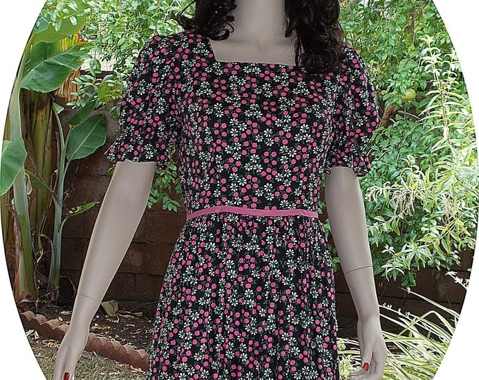 Vintage 70s Boho Hippie Festival Black Pink Floral Cotton Calico Peasant Prairie Handmade Womens Short Sleeve Maxi Dress