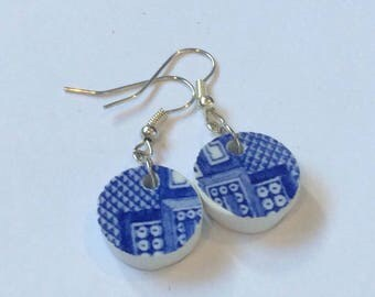 Upcycled willow pattern china earrings / blue and white china earrings