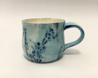 Light blue leopard pattern mug