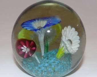 Vintage Murano Trumpet Flower Controlled Bubble Paperweight