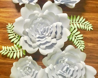 Paper flowers set of 5 with leaves