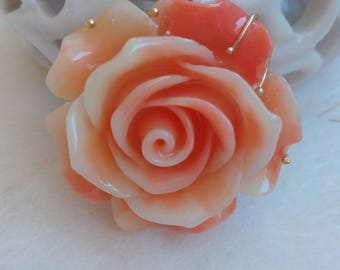 Pendant for Rose necklace in synthetic coral