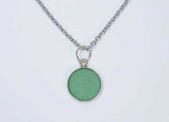 Necklace concrete with green concrete pendant and pearl on silver-colored link chain made of stainless steel concrete jewelry Green Concrete Jewelry