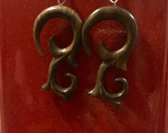 Flores Carved Earrings