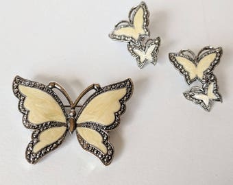 Avon butterfly brooch and earrings set / Vintage butterfly brooch with matching earrings