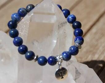 Bracelet with lapis lazuli beads