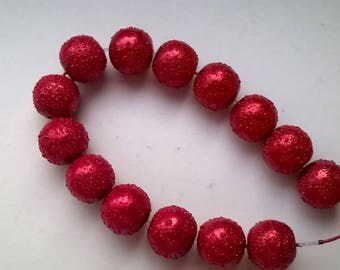 Set of 14 red effect plastic beads Crackle