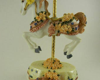 """Heritage House Melodies Country Fair Collection Carousel Music Box """"I Just Called To Say I Love You"""""""