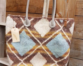 Uniek Bag, handmade knitting en fouled