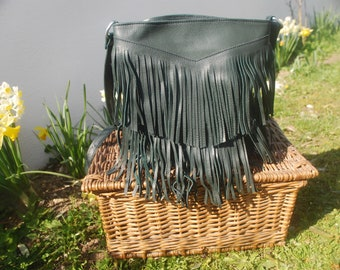 Fringed bag Green leather and handmade